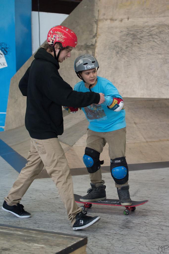 Dieses Skateboardfahren ist eine wackelige Angelegenheit…